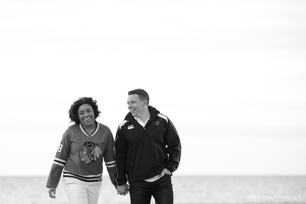 art insititute gardens + oak street beach - chicago engagement session // photography by brittany bekas photography - www.brittanybekas.com // wedding + lifestyle photographer based in chicago, illinois