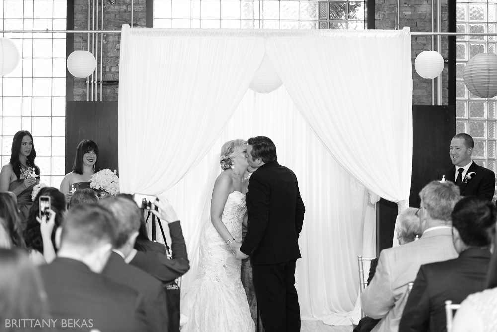 Chicago Floating World Gallery Wedding // brittany bekas photography - www.brittanybekas.com // worldwide wedding photographer based in chicago, illinois