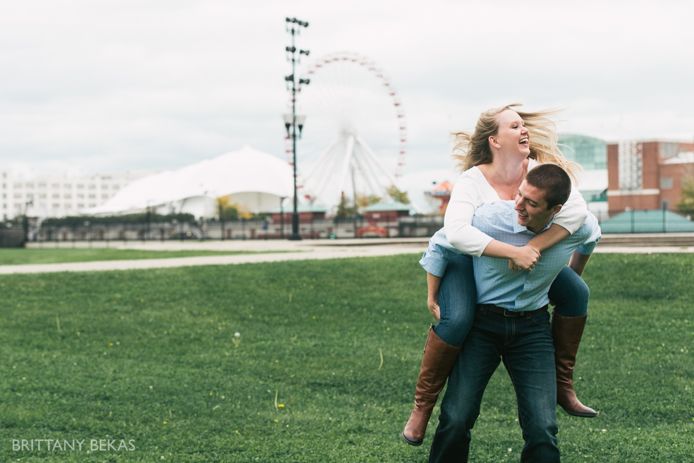 Chicago Engagement Olive Park Engagement Photos_0007