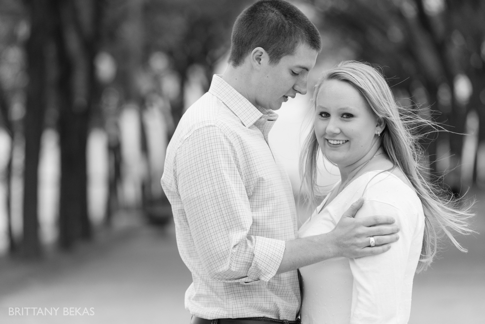 Chicago Engagement Olive Park Engagement Photos_0012