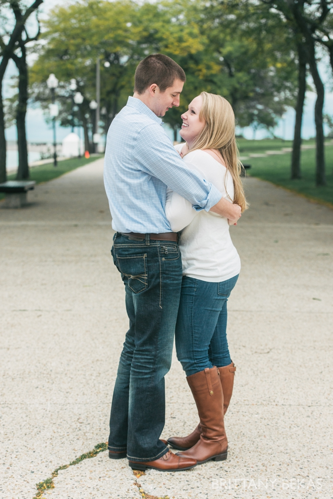 Chicago Engagement Olive Park Engagement Photos_0014