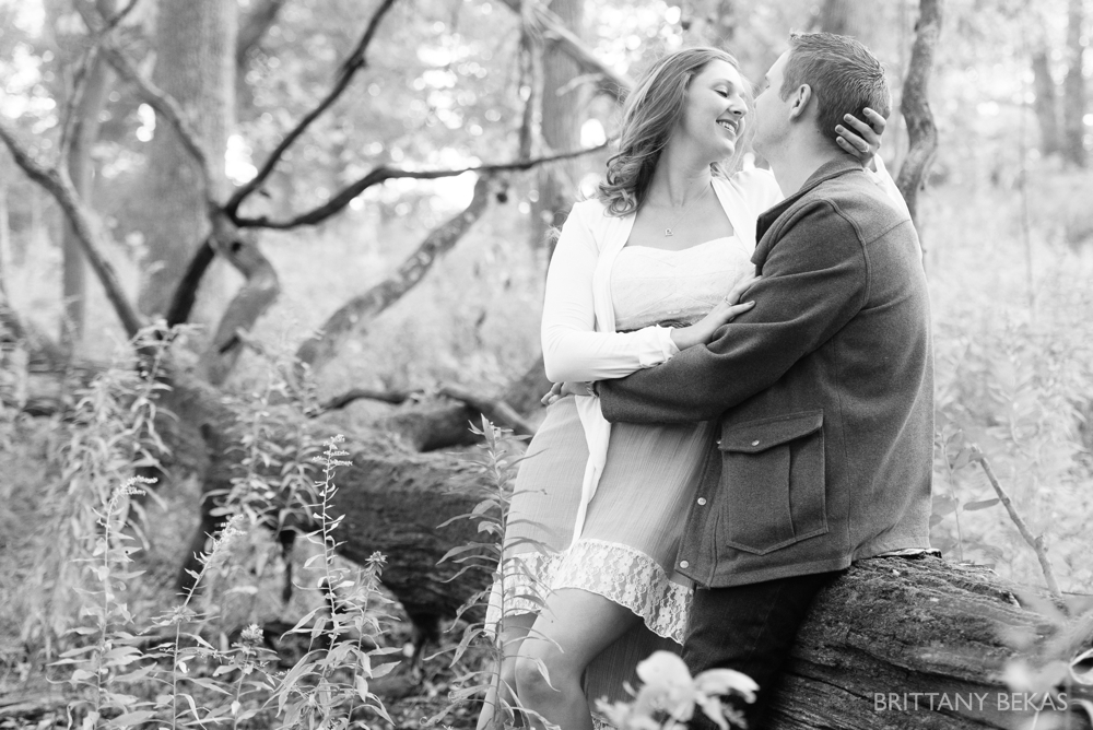 Independence Grove Forest Preserve Engagement Photos_0011