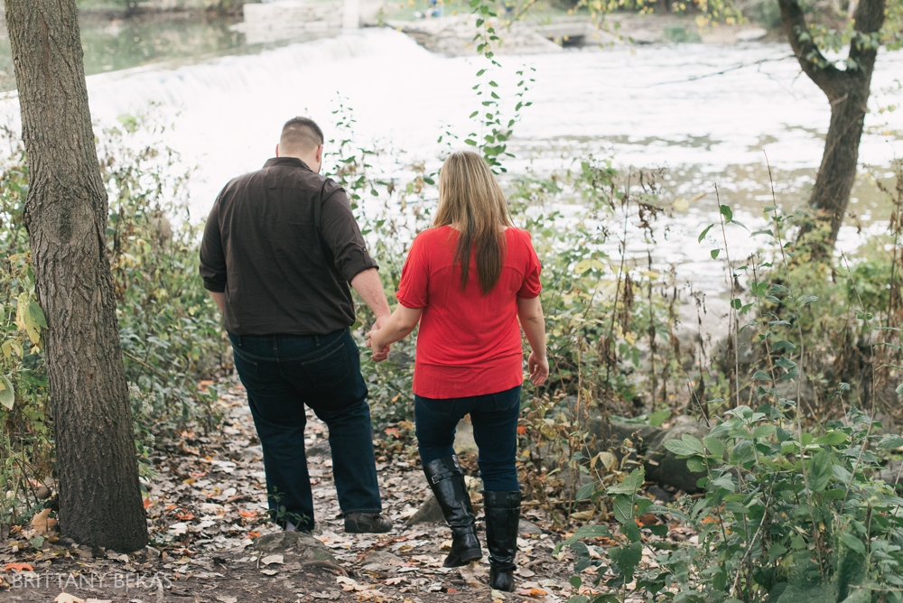 Chicago Engagement Graue Mill Engagement Photos_0012