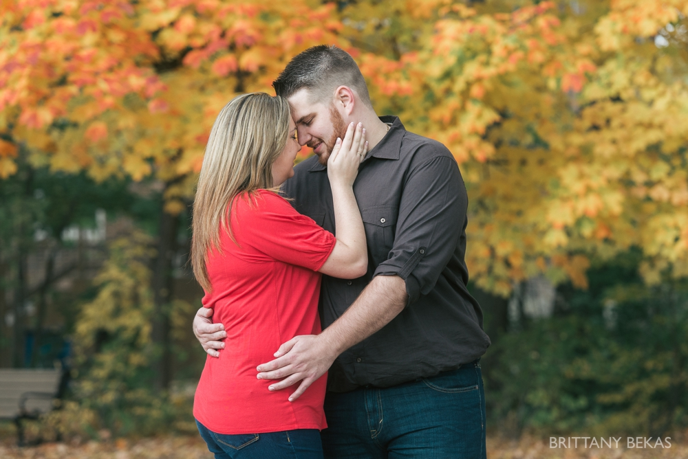 Chicago Engagement Graue Mill Engagement Photos_0017