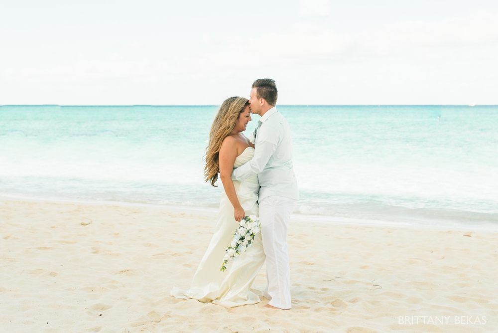 Grand Cayman Seven Mile Beach Trash the Dress Wedding Photos_0004