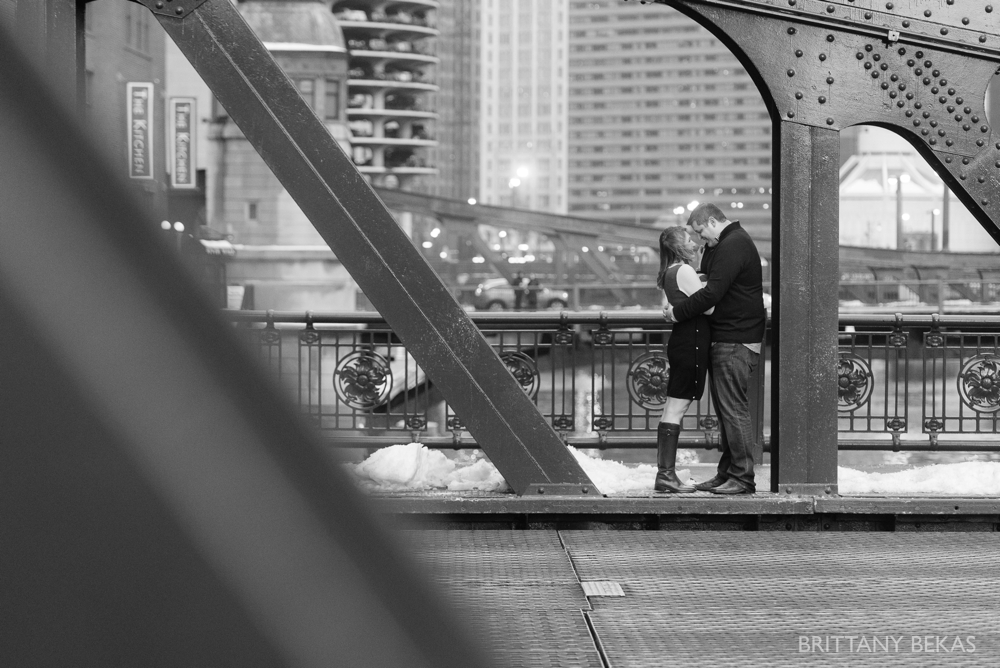 Chicago Board of Trade Lasalle Street Bridge Engagement Photos_0012