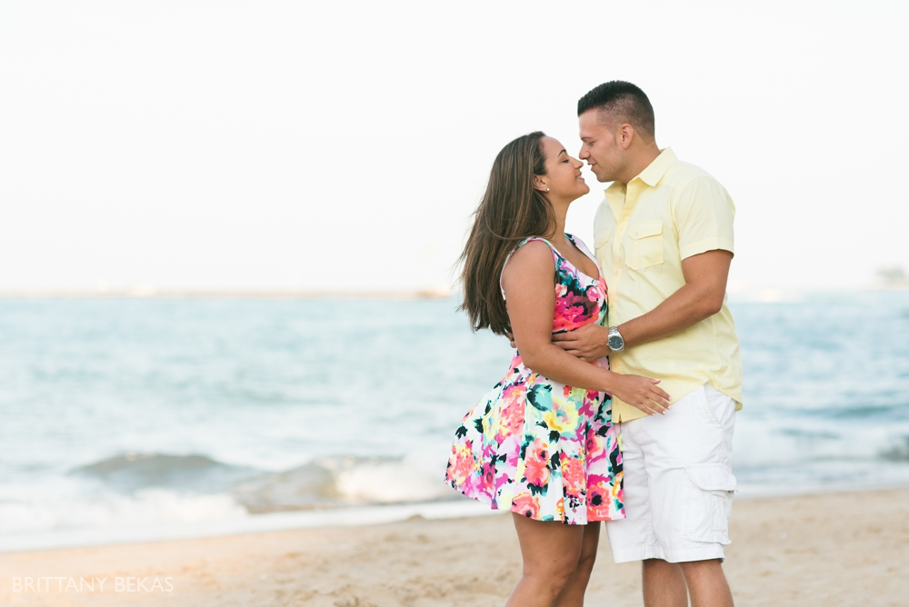 Chicago Engagement Oak Street Beach Engagement Photos_0052