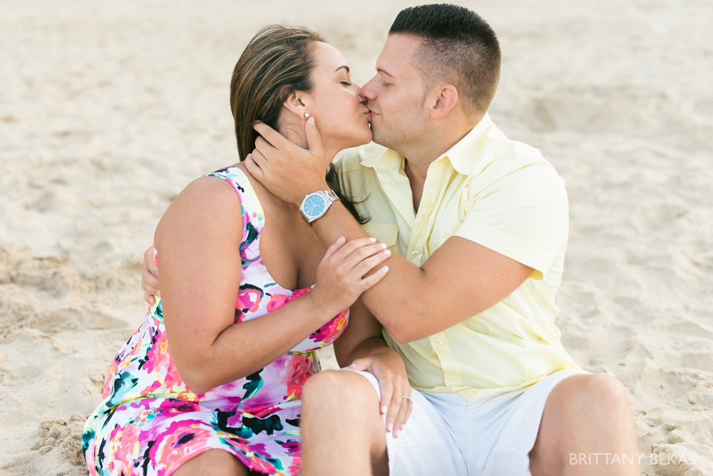 Chicago Engagement Oak Street Beach Engagement Photos_0058