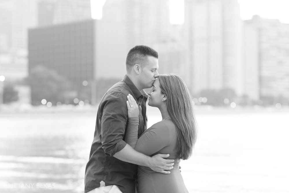 Chicago Engagement Oak Street Beach Engagement Photos_0061