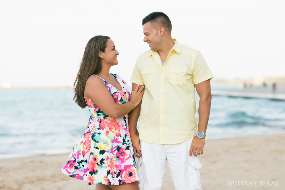 Chicago Engagement Oak Street Beach Engagement Photos_0064