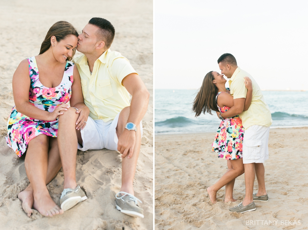 Chicago Engagement Oak Street Beach Engagement Photos_0067