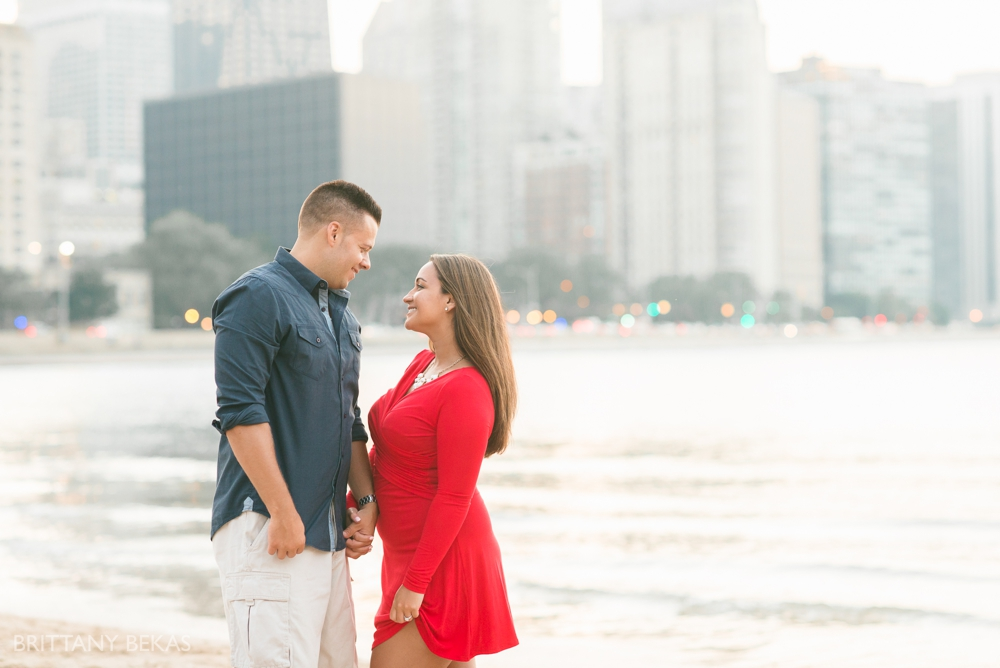 Chicago Engagement Oak Street Beach Engagement Photos_0068