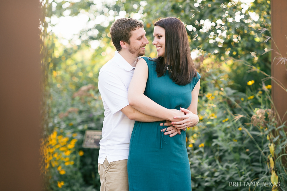 Indepedence Grove Engagement Photos - Chicago Engagement_0001