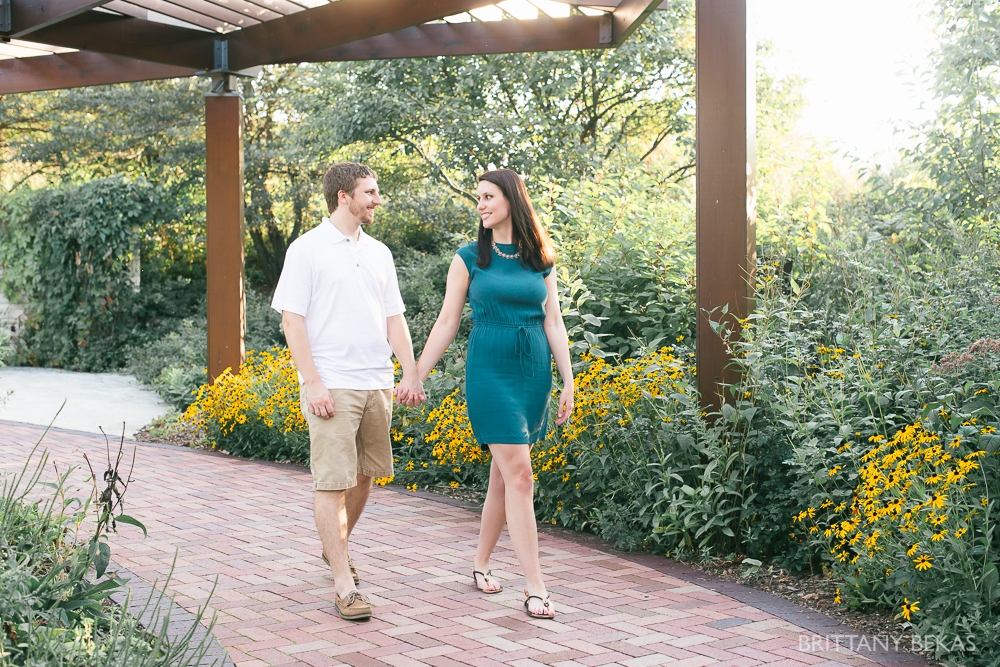 Indepedence Grove Engagement Photos - Chicago Engagement_0002