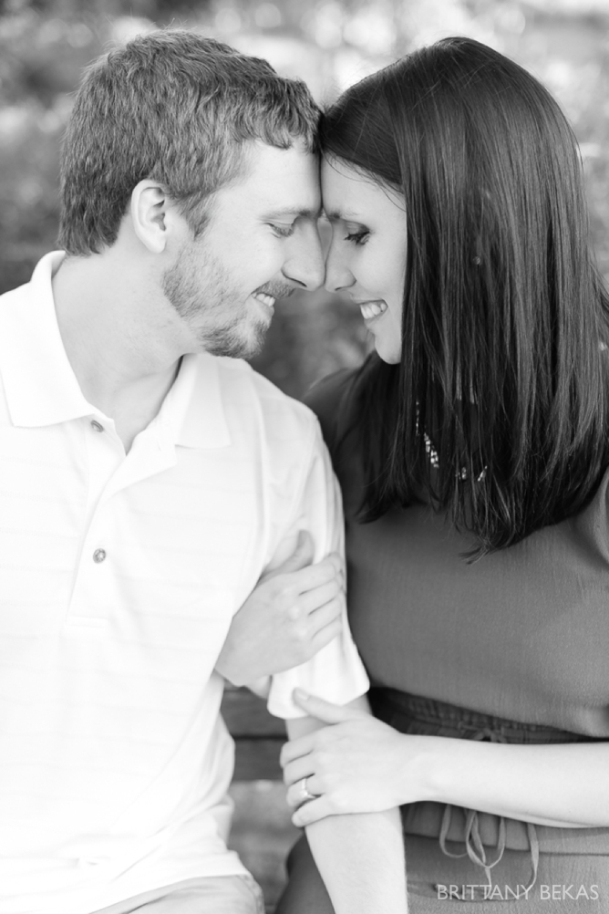 Indepedence Grove Engagement Photos - Chicago Engagement_0003