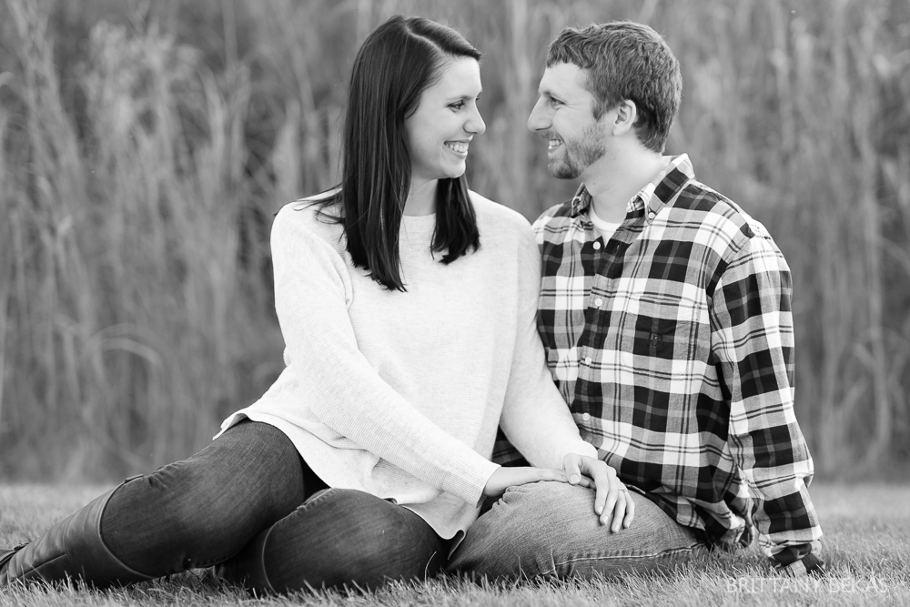 Indepedence Grove Engagement Photos - Chicago Engagement_0004