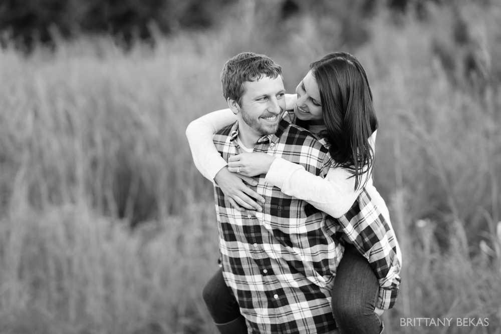 Indepedence Grove Engagement Photos - Chicago Engagement_0007