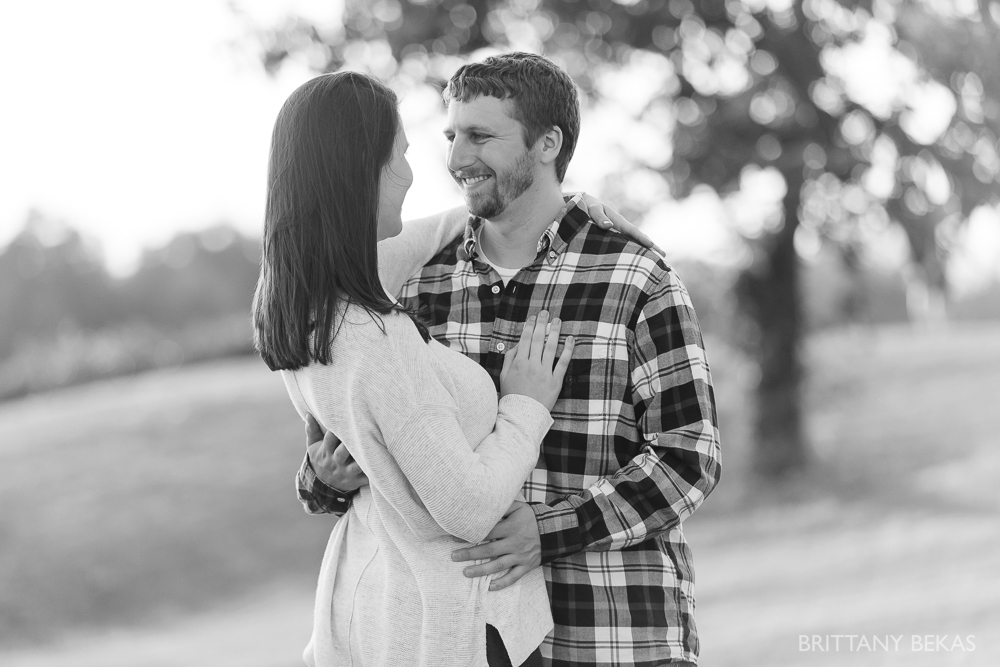 Indepedence Grove Engagement Photos - Chicago Engagement_0011