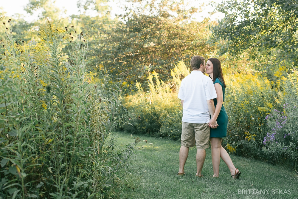 Indepedence Grove Engagement Photos - Chicago Engagement_0012