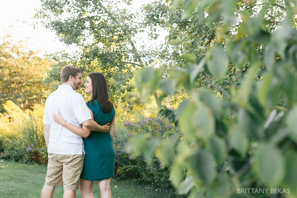 Indepedence Grove Engagement Photos - Chicago Engagement_0013