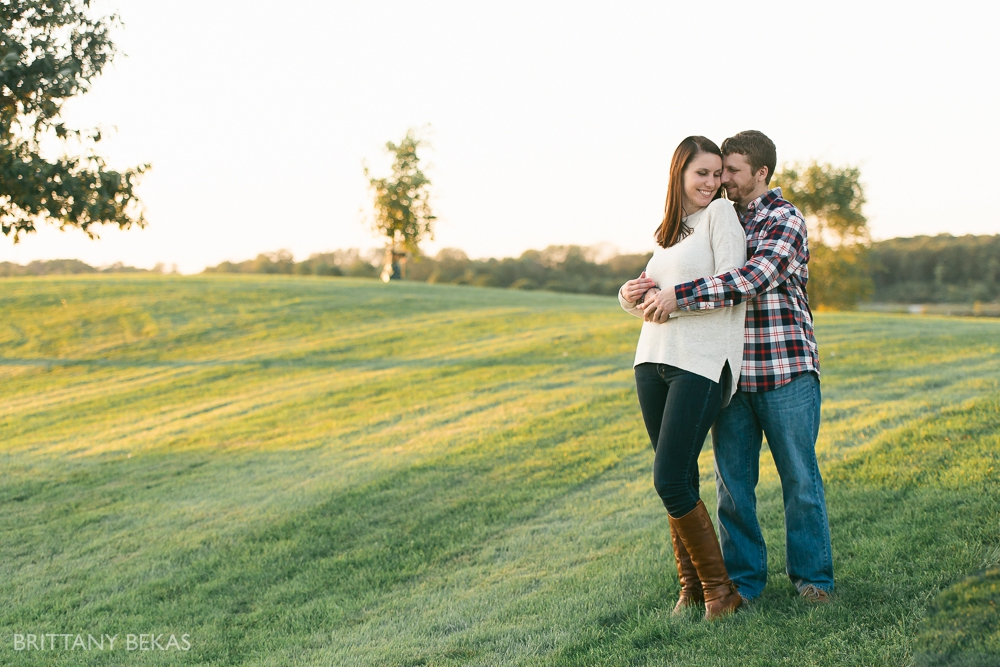 Indepedence Grove Engagement Photos - Chicago Engagement_0014