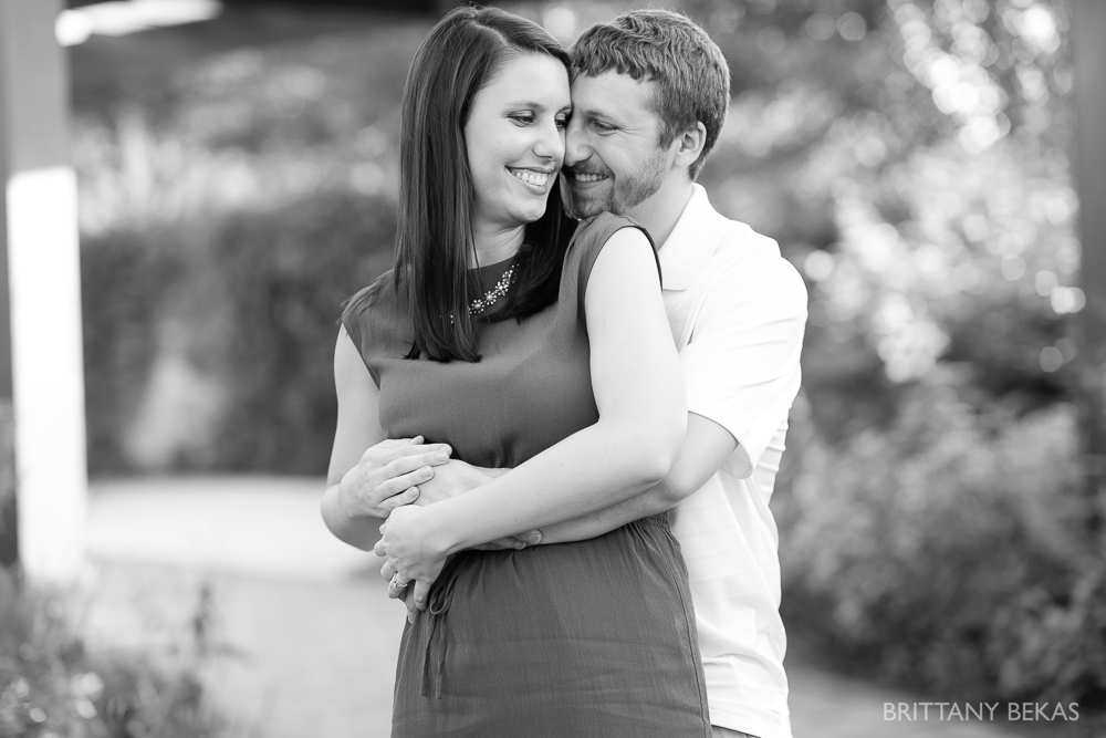 Indepedence Grove Engagement Photos - Chicago Engagement_0017
