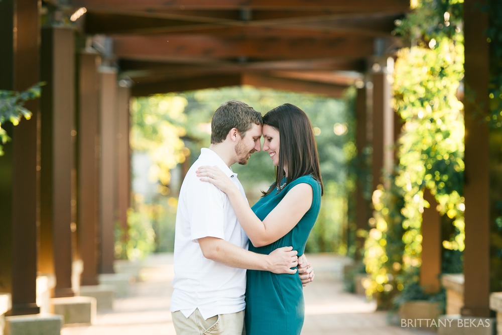 Indepedence Grove Engagement Photos - Chicago Engagement_0018