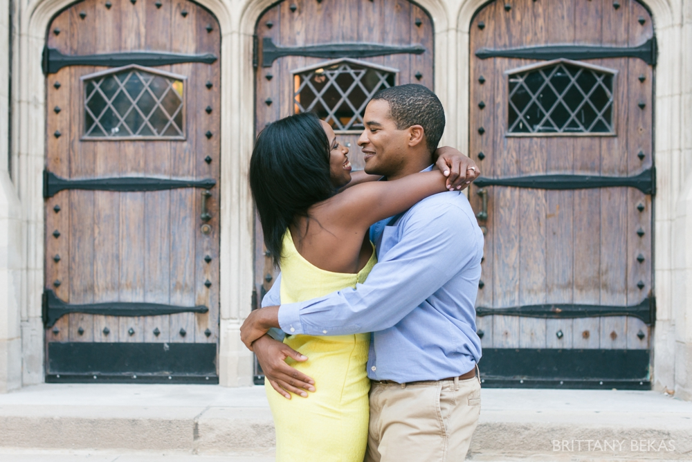 University of Chicago Engagement Photos - Chicago Engagement_0004