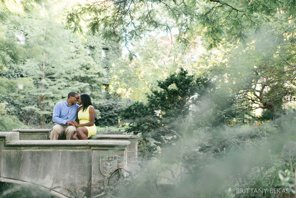 University of Chicago Engagement Photos - Chicago Engagement_0013