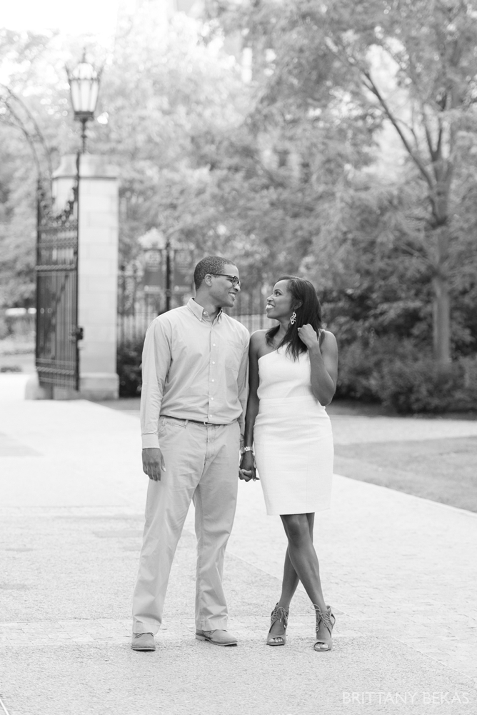 University of Chicago Engagement Photos - Chicago Engagement_0030