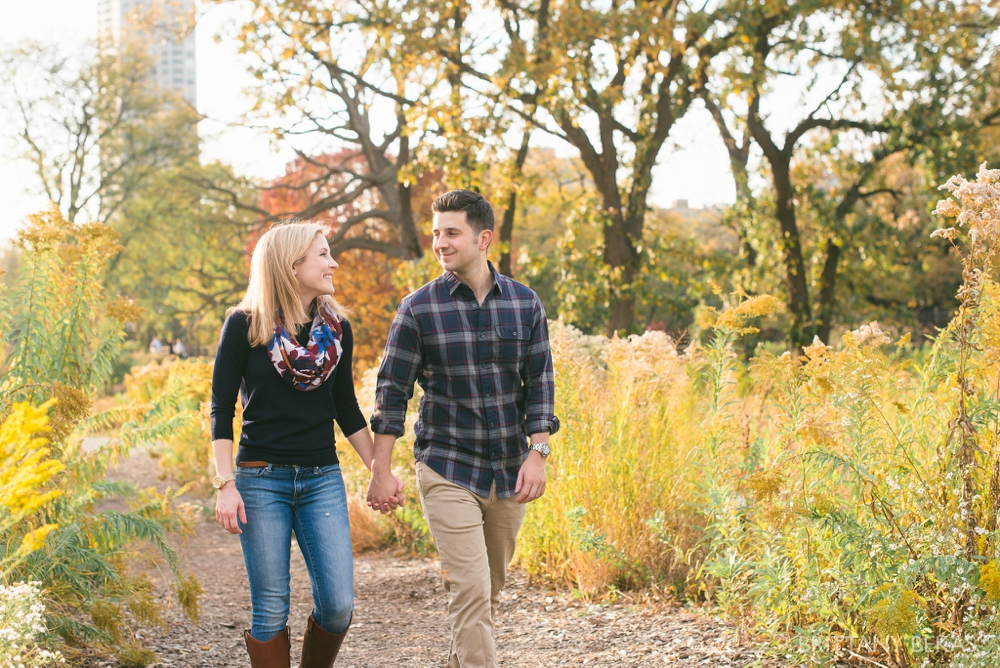 Chicago Engagement - Lincoln Park Engagement Photos_0012