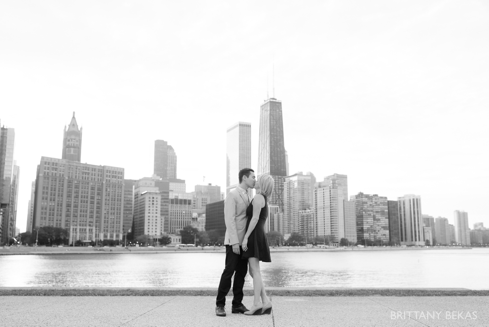 Chicago Engagement - Olive Park Engagement Photos_0018