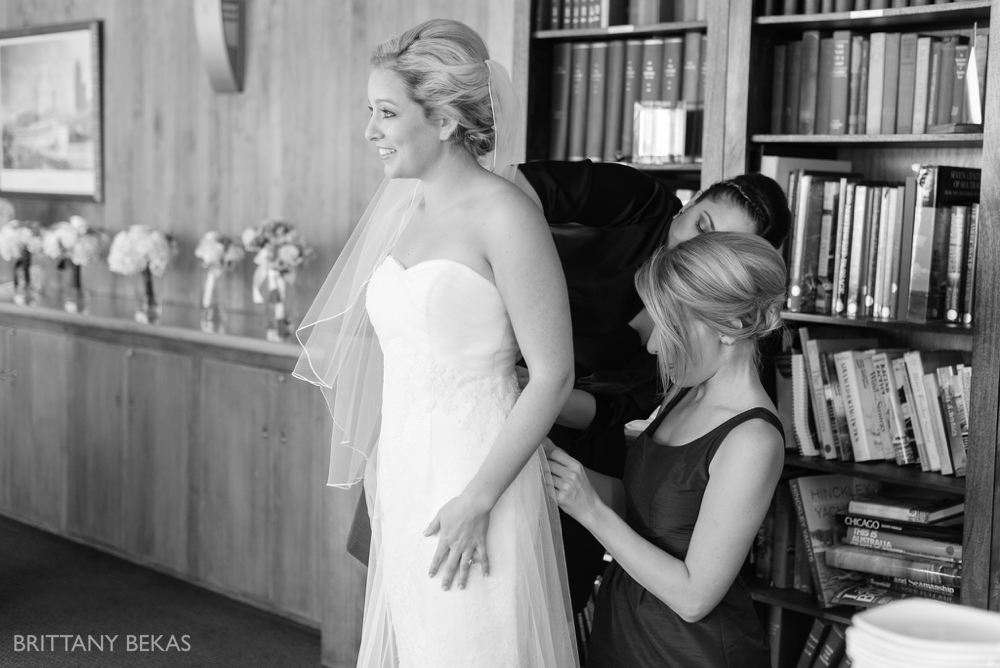 Chicago Wedding - Chicago Yacht Club Wedding Photos_0003