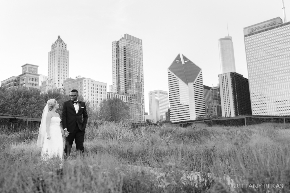 Chicago Wedding - Chicago Yacht Club Wedding Photos_0030