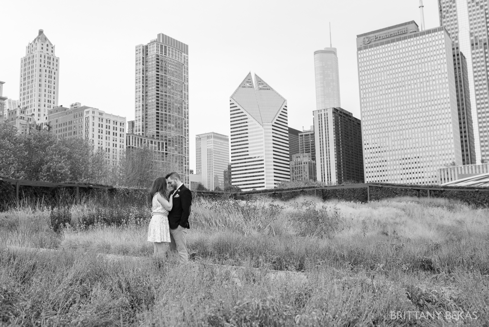 Chicago Elopement - Chicago City Hall + Lurie Garden Elopement Photos_0006