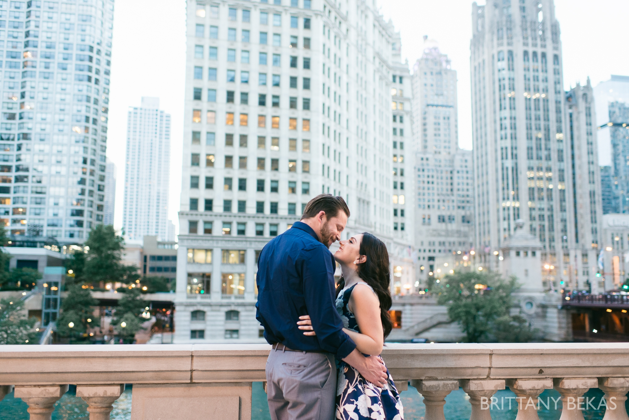 Chicago Riverwalk Engagement Photos - Brittany Bekas Photography_0007