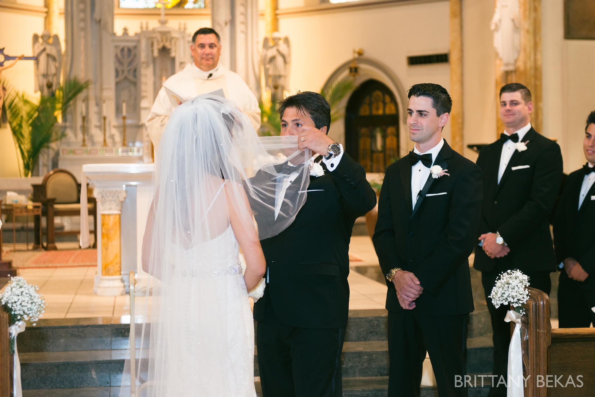 Chicago Wedding Photos St Edmunds + Concorde Banquets- Brittany Bekas Photography_0014