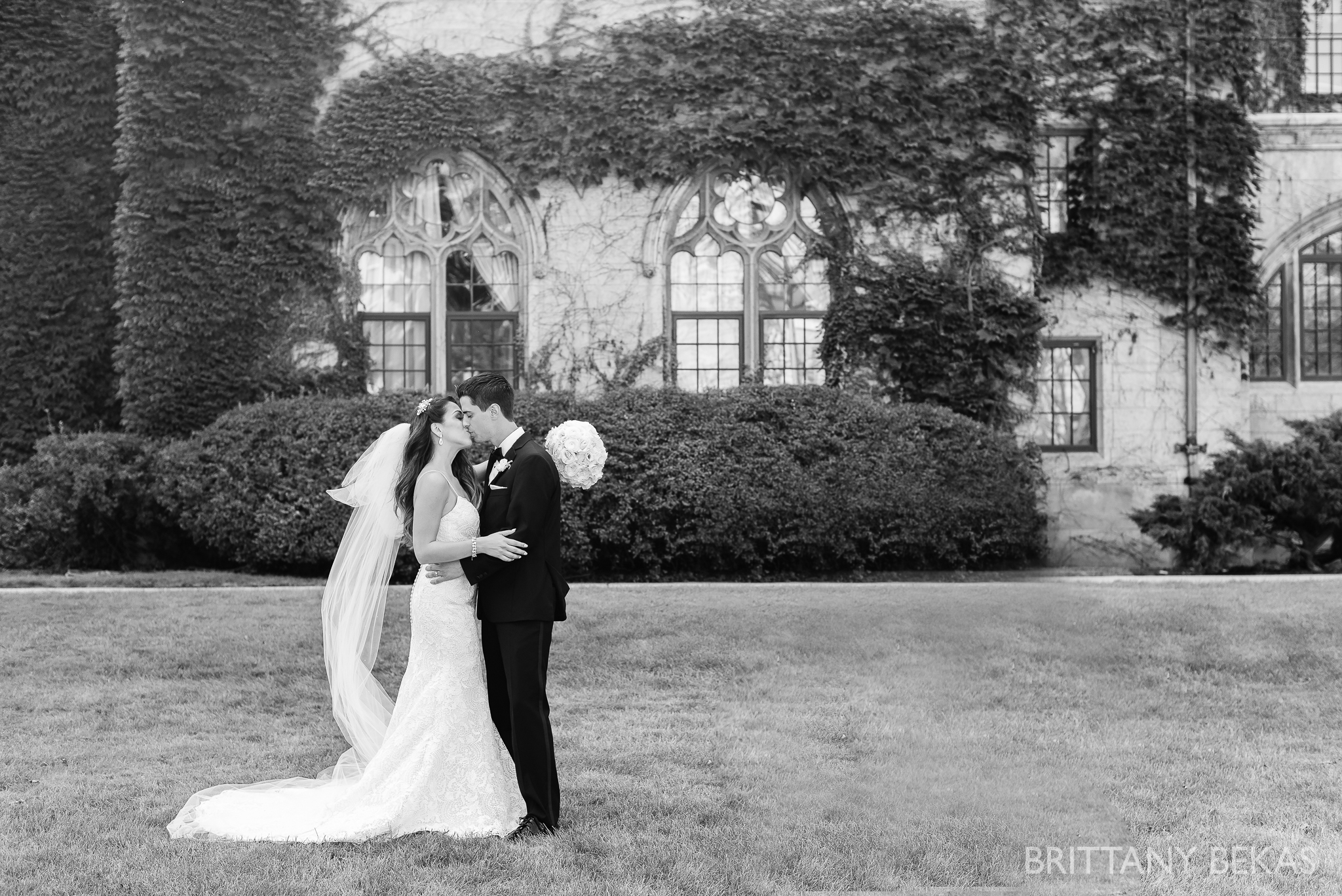 Chicago Wedding Photos St Edmunds + Concorde Banquets- Brittany Bekas Photography_0024