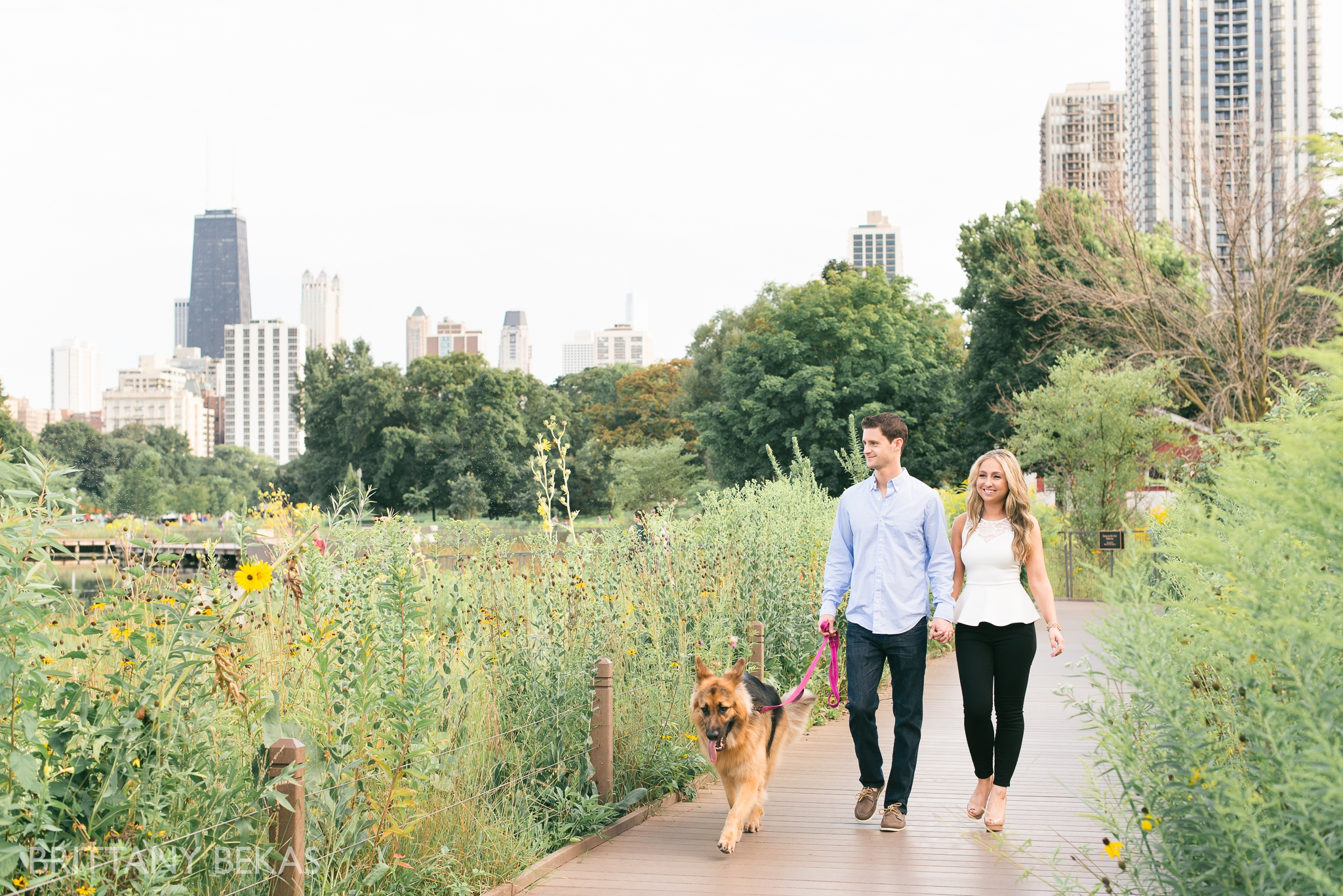 lincoln-park-chicago-engagement-photos-brittany-bekas-photography_0001