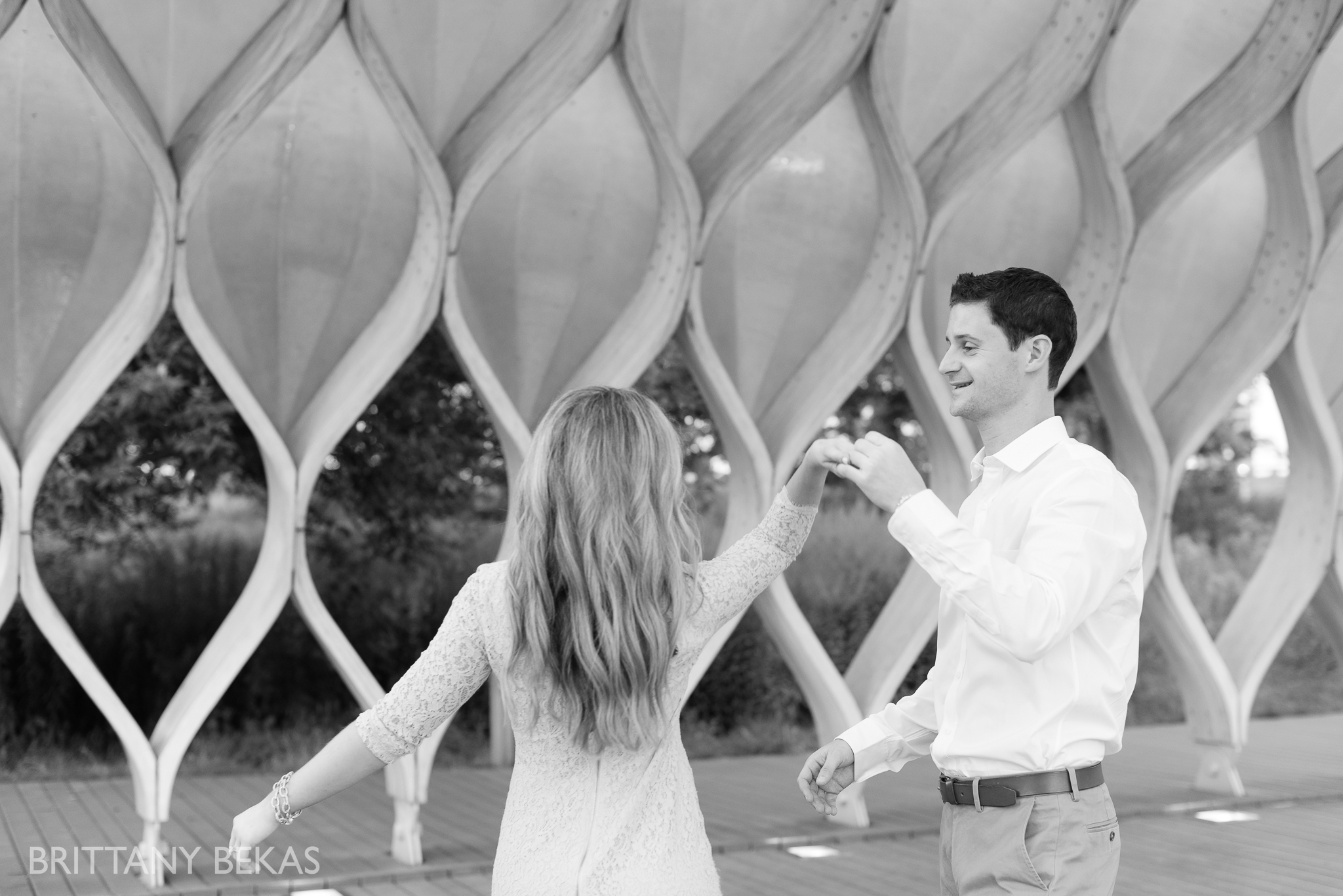 lincoln-park-chicago-engagement-photos-brittany-bekas-photography_0019