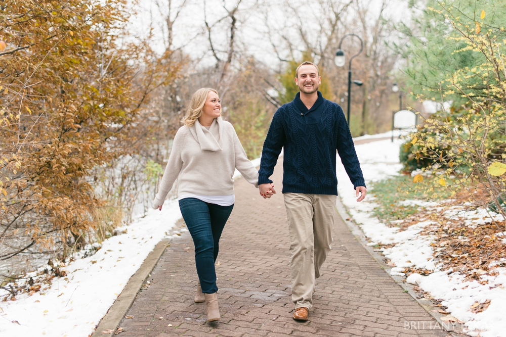naperville-riverwalk-engagement-photos-chicago-engagement_0019
