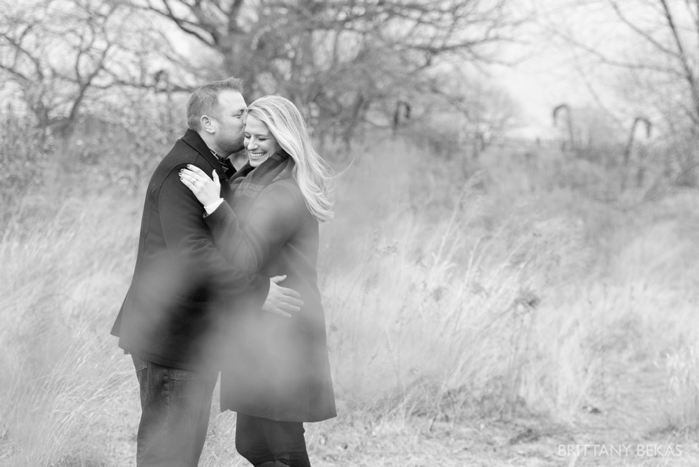 lincoln-park-engagement-session-chicago-engagement-photos_0012