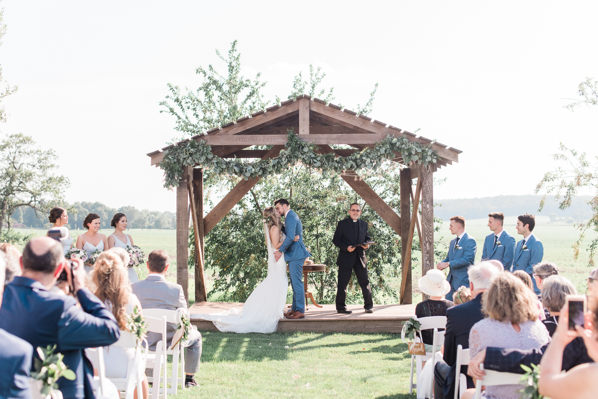 Outdoor Wedding Venues Light + Air Chicago Wedding and Engagement Photographer Emerson Creek Pottery + Tea Room Wedding Photos