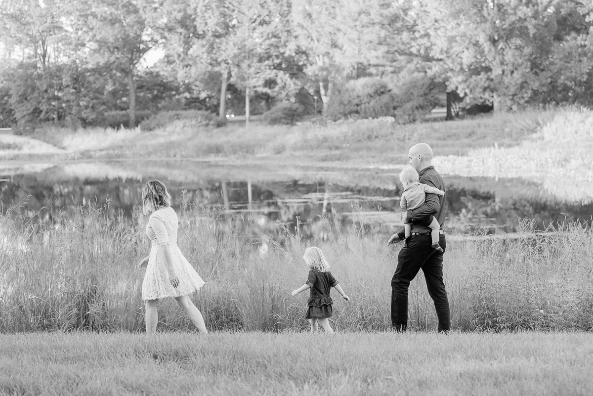 Best locations in Chicago Suburbs for Family Photos
