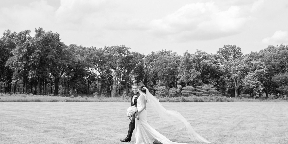Fine Art Wedding Photos at the Knollwood Country Club in Lake Forest // Maggie + Nick