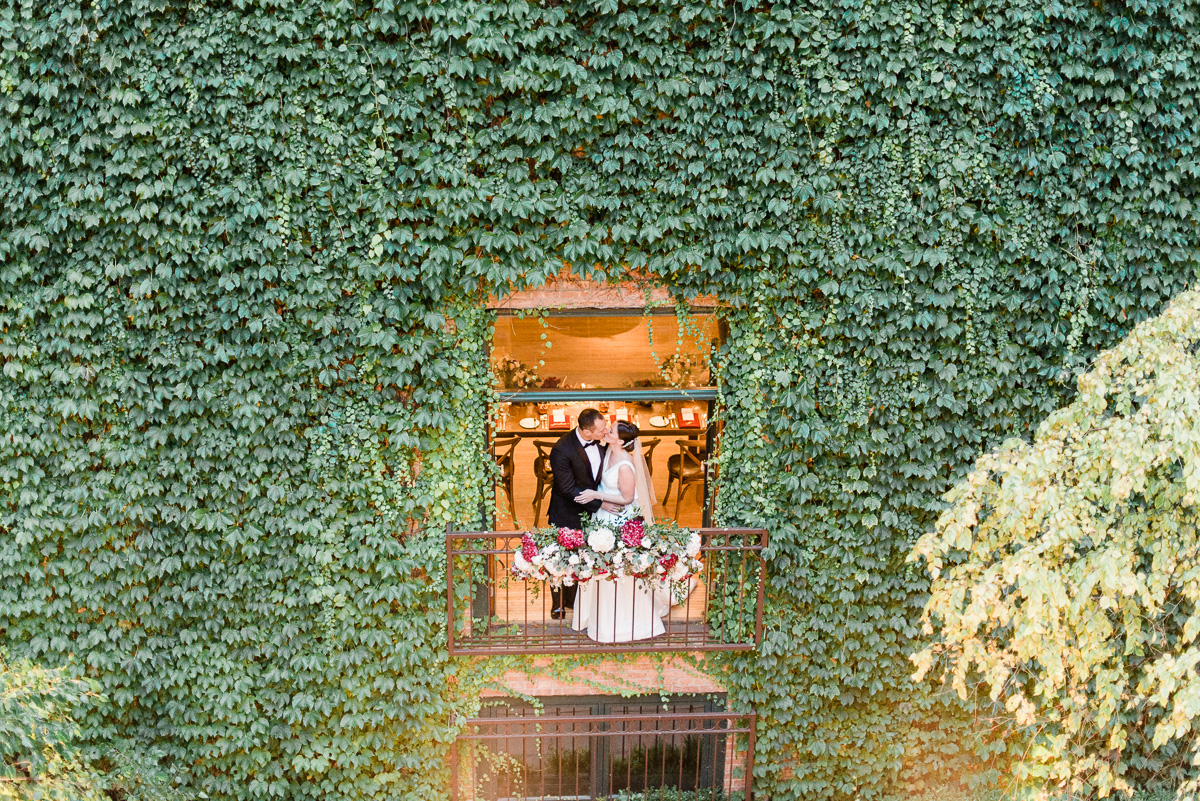 Outdoor Wedding Venues Light + Air Chicago Wedding and Engagement Photographer - Ivy Room Wedding Photos