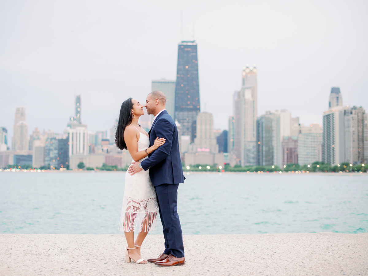 Fine Art Chicago Engagement Photographer - what to wear