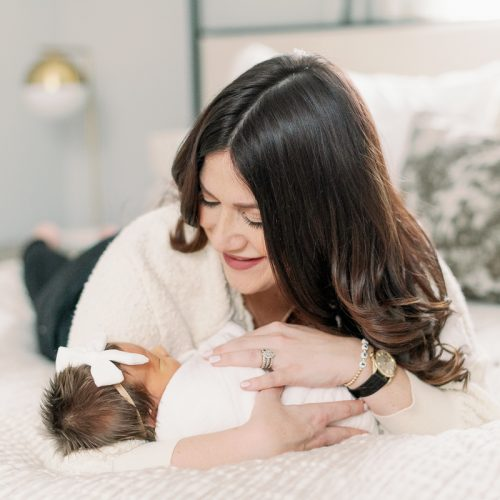 Chicago Lifestyle Newborn Photographer // In-home newborn photos // Zoe
