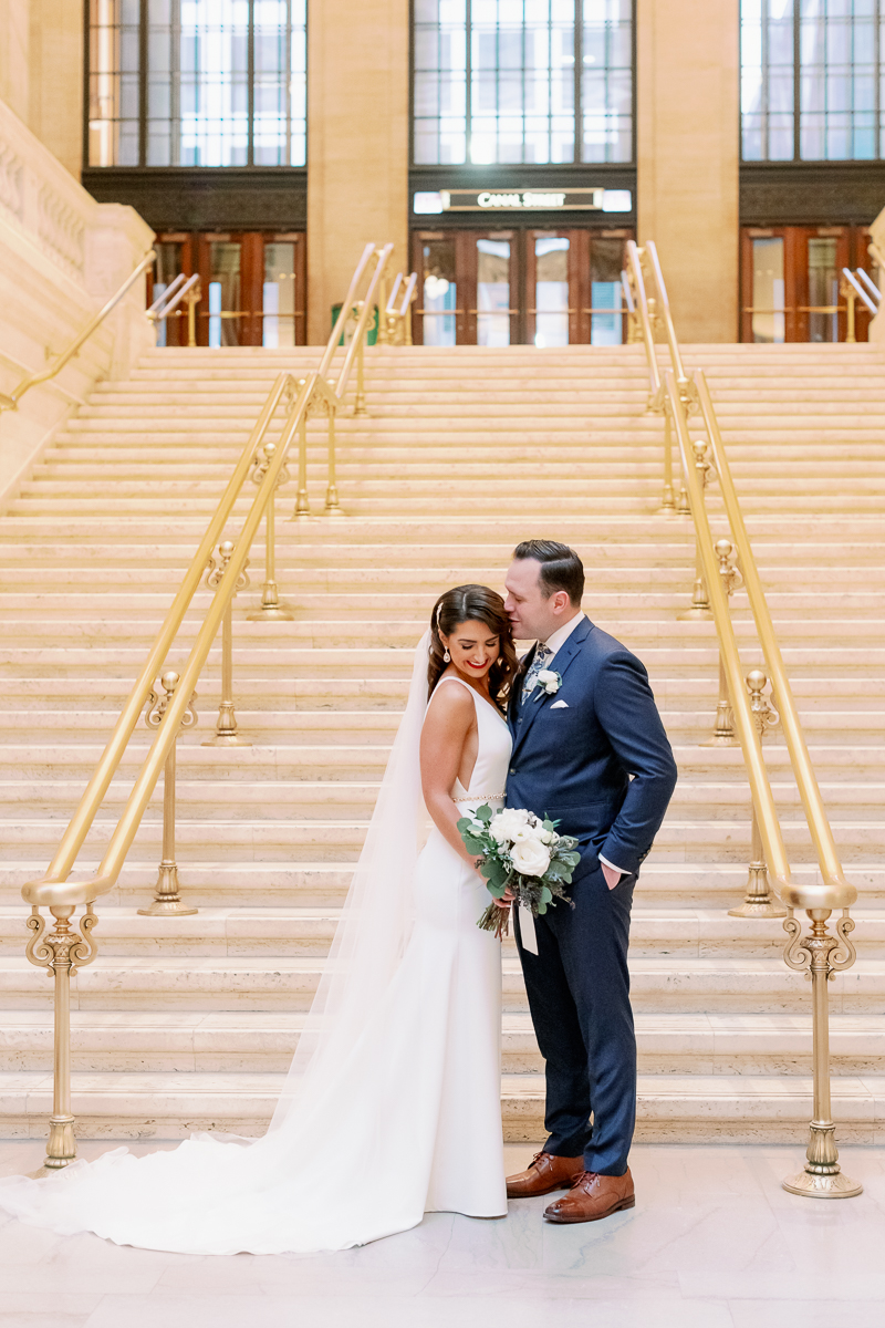 Chicago Winter Wedding - Chicago Union Station Wedding Photos