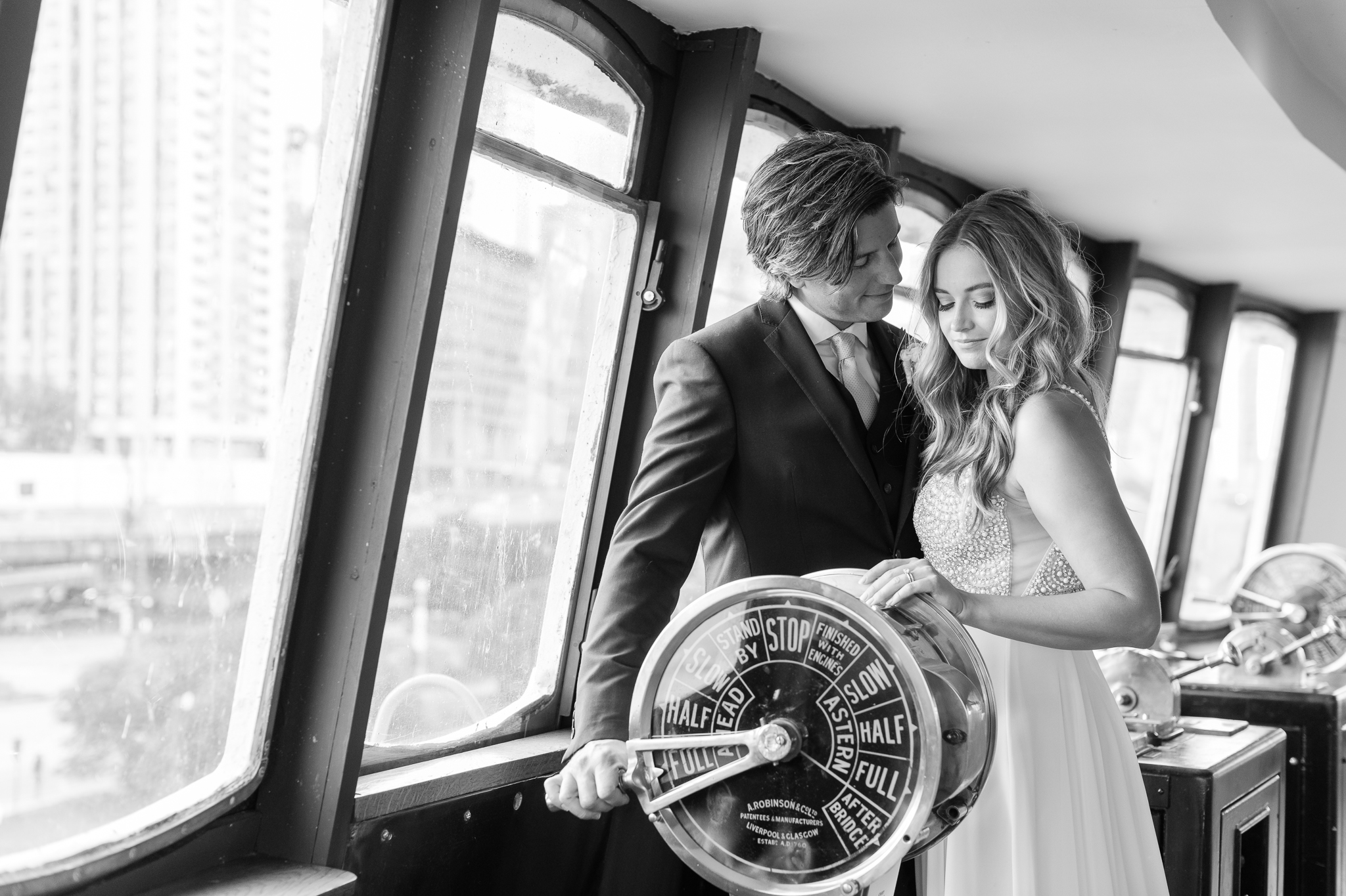 Intimate Chicago Wedding Elopement at Chicago Yacht Club-31